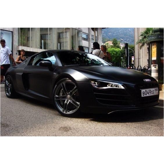 Audi R8 in matte black!