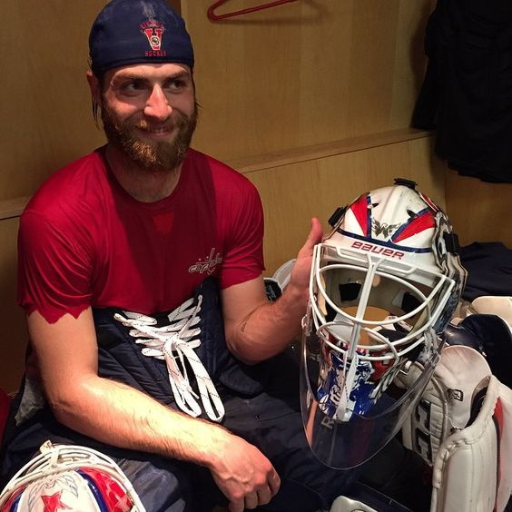 Holtby showing off the lid. See his profile: http://www.scarletcaps.com/meet-the-players/braden-holtby