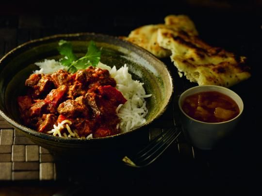 Leftover Lamb Rogan Josh - a great way to use up some left over meat from Sunday's roast. You could probably do this with chicken as well. I also added spinach and peppers as I like there to be a bit more veg in my dishes.