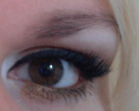 eyelash extensions only on the outside placed by www.saloncremers.nl