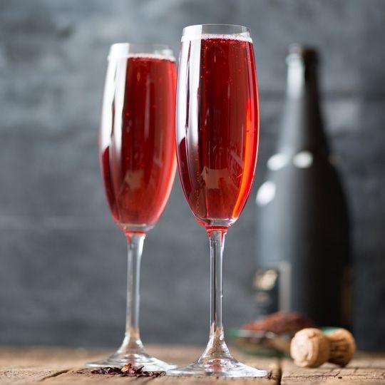Hibiscus And Rosehip Cocktail Recipe Recipe Edible Flowers Recipes Cocktail Recipes Cocktails