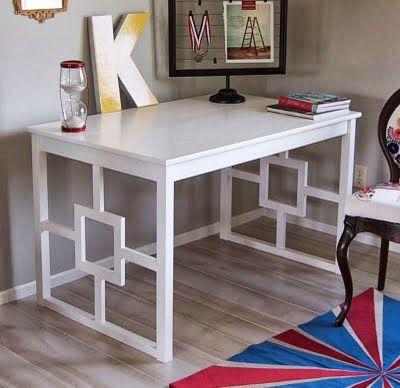 un bureau contemporain avec une vieille table - ikea hacking