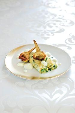 canneloni van snijbiet met ricotta, gebakken artisjok en amandelemulsie