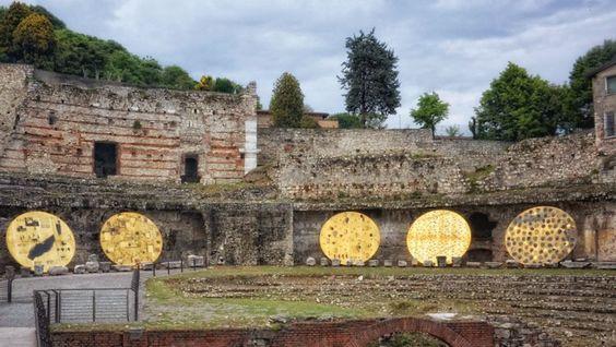 Ouverture di Paladino invade Brescia : Teatro romano.