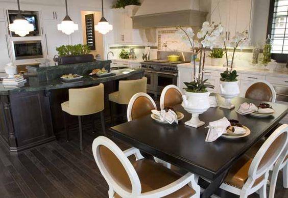 Cada vez mais, o espaço gourmet está sendo planejado para integrar ambientes, unir a família e permitir a confraternização com amigos e convidados.