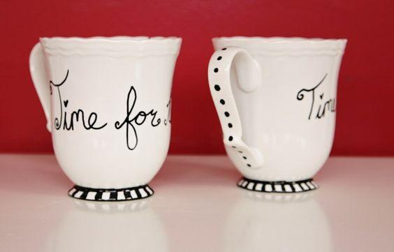 Comment décorer une tasse en porcelaine avec des marqueurs permanents