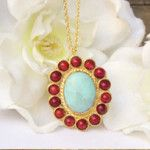 Collier pendentif turquoise corail. Bijoux fantaisie en ligne créateurs des bijoux tendance 2014. Colliers fantaisie, bracelets fantaisie, bagues fantaisie. Boutique bijoux en ligne.