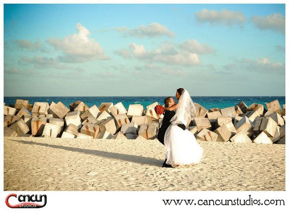 Dreams Cancun Resort, Mexico  www.cancunstudios.com