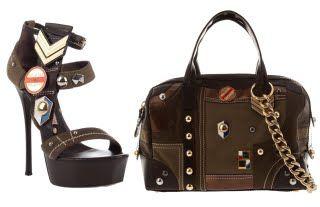 Estilo militar también en zapatos y bolsos.