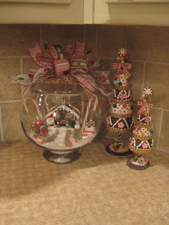 Primitive Christmas Decorating Ideas   Country Christmas Decor – Gingerbread Kitchen Accessories and
