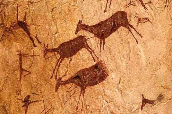 Paleolítico - España- barranco de la Valltorta, conjunto de abrigos y cuevas cerca del mediterráneo.