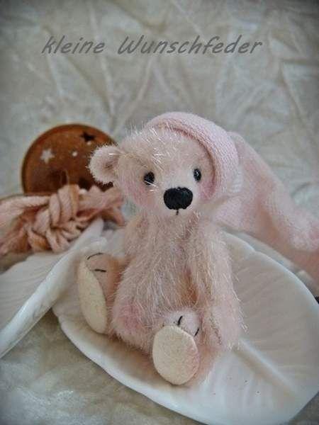 kleine Wunschfeder by By baerenkinder | Bear Pile