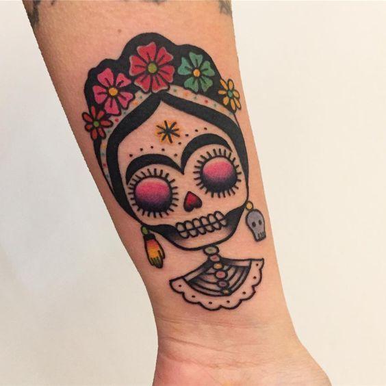 Mujer Tatuajes De Calaveras Pequenas