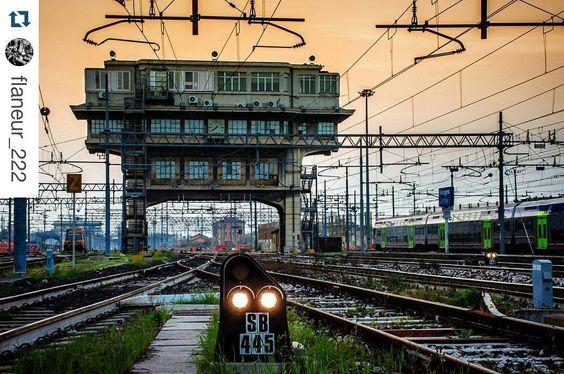 #Repost @flaneur_222 with @repostapp  #railway #station #stazione #ferroviaria #bologna #bolognacentrale #ferrovie #crepusculo #twilight #volgobologna #igersbologna #volgoemiliaromagna #igersemiliaromagna #urban #landscape #landscape_lovers #paesaggio #archilovers #architectureporn #italy #loves_emiliaromagna #emiliaromagna_super_pics #loves_bologna by bolognacentraleig