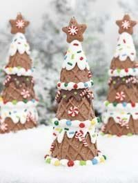 Trees out of ice cream cones >> Really cute for a gingerbread house! (This picture is actually of an ornament!)