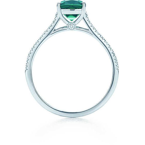 Tiffany Legacy® Green Tourmaline Ring (18.350 BRL) ❤ liked on Polyvore featuring jewelry, rings, green tourmaline ring, tiffany co rings, tiffany co jewelry, green tourmaline jewelry and tiffany co jewellery