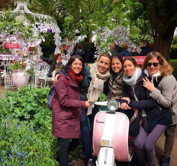 #keukenhof #keukenhofgardens #amsterdam #flowers #friends #bff #colors #garden #tulips #tulip #weekend #holland #travel #travelling #ilovetravel #ilovetravelling #crazymoments by claraciurana