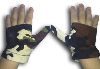New Camo thumb sucking & finger sucking gloves...fighting the battle on thumb sucking.