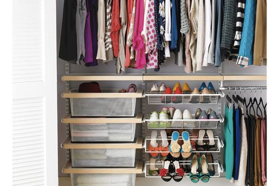 Small apartment decorating how to maximize home space for Maximize small closet