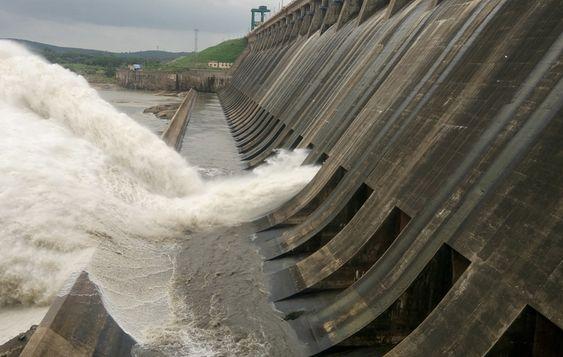 Canals of Longest Dam in India: Hirakud Dam