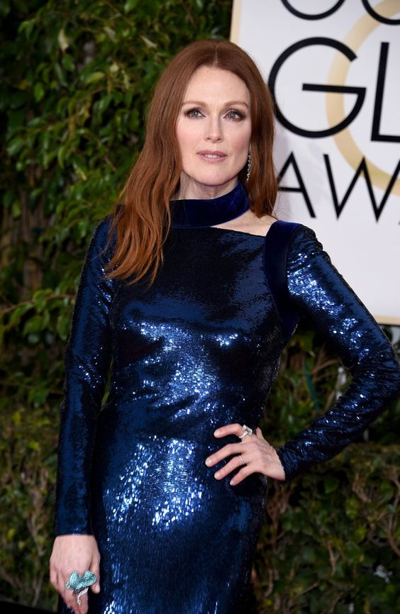 Pin for Later: This Is How the Stars at the Golden Globes REALLY Get Their Looks to Glow Julianne Moore Wearing Chopard jewels.