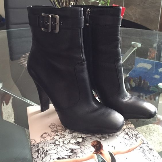 VIA SPIGA Leather Heeled Boots In excellent used condition. No scruffs on upper leather. Very minor scruffs on the very tips of the toes. Some wear on bottom of soles (see photos). Hardware and zipper in immaculate condition. These are super sleek! Designed in Italy. Via Spiga Shoes