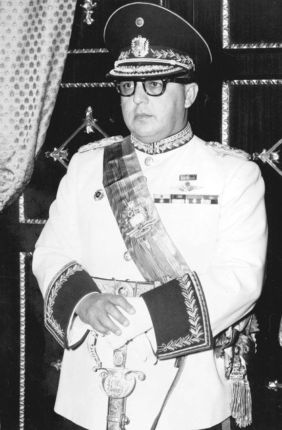Se consuma el fraude de Pérez Jiménez - 100 Años - EL UNIVERSAL LO MEJOR QUE A TENIDO VENEZUELA EN LA PRESIDENCIA EN TODA SU HISTORIA!