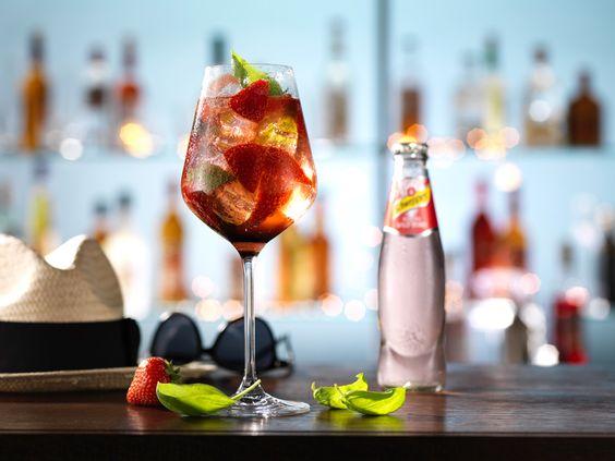 Berry and Basil - ein erfrischender Cocktail ideal für der Erdbeerzeit