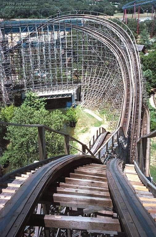 10 Amazing Scariest Rollercoasters In The World Wooden Roller Coaster Six Flags Over Texas Roller Coaster