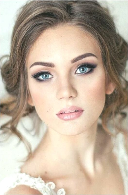 Brautmakeup Erstaunliches Make Up Und Schone Blaue Augen Hochzeit Hochzeiten Bilden Augen Blau Natural Wedding Makeup Wedding Makeup Blue Wedding Makeup