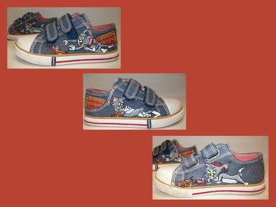 Zapatillas pintadas con pincel