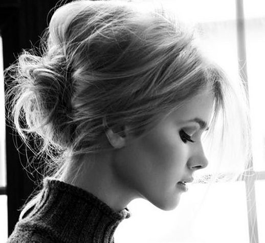 LE FASHION BLOG MESSY CHIGNON HAIR INSPIRATION UP DO HAIR POST WISPY MESSY HAIR VOLUME TEASE TURTLE NECK CAT EYE SIXTIES INSPIRED photo LEFASHIONBLOGMESSYCHIGNONHAIRINSPIRATION2.png: