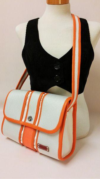 *Orange, weiß Schultertasche Feuerwehrschlauch* von Mabreser Taschen auf DaWanda.com