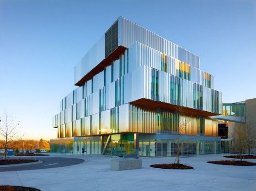 Terrence Donnelly Health Sciences Complex in toronto by Kongats Architects