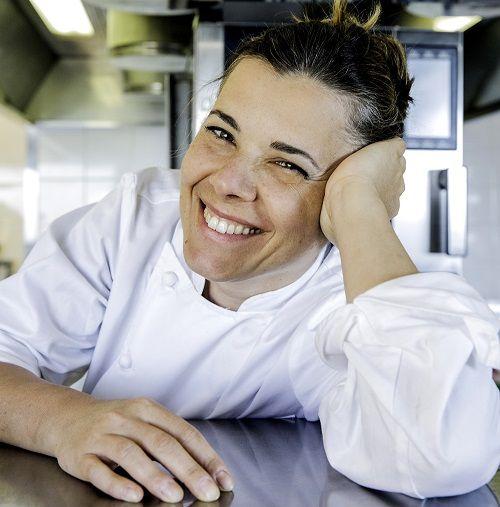 مطعم تراتوريا توسكانا يتعاون مع الطاهية الإيطالية إيزيديه دي تشيزاري Photo Couple Photos Couples