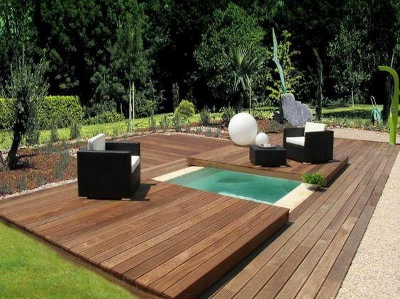 Piscina peque a con cubierta de madera casas de una planta pinterest patio interiores y - Cubiertas para patios interiores ...