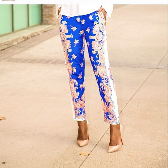 I want those pants shoes!!! #socute #obsessed #stylepantry #printedpants #redbottoms #classy #vousetesbelle #vousetesbellefashion #Padgram