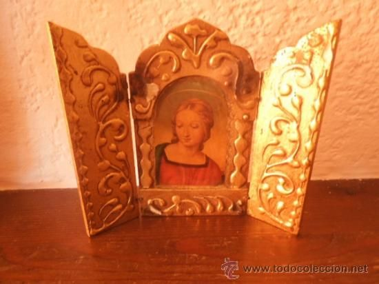 pequeño retablo triptico con la imagen de la virgen 13 cm