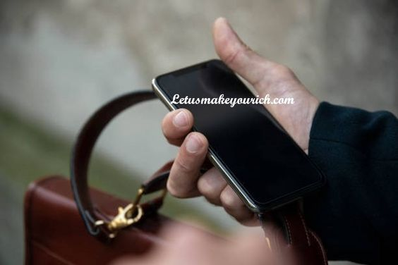 """I finally realized that people are prisoners of their phones... that's why it's called a """"cell"""" phone"""