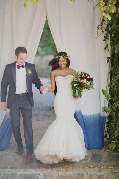 Elegant bohemian wedding in Napa: http://www.stylemepretty.com/2014/08/04/elegant-bohemian-wedding-in-napa/ | Photography: http://ourlaboroflove.com/