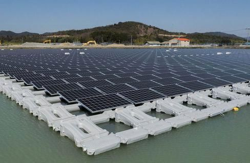 Water Based Solar Projects Are Rising Rapidly Across The Country As Water Cools These Panels The Sol Solar Power Plant Solar Panel System Best Solar Panels