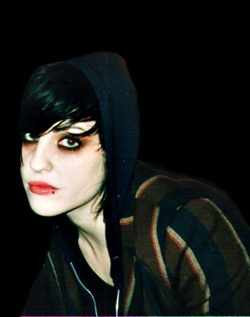 Pin By R8er138 On Brody Dalle Punk Rock Girls Pop Punk Fashion Brody Dalle