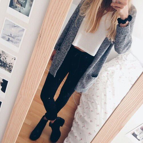 bild über we heart it https://weheartit.com/entry/176915363 #blonde #dress #fashion #fashiongirl #girl #girly #hat #heels #highheels #leggings #legs #look #looks #outfit #outfits #shoes #skirt #streetstyle #style #sunglasses #cooloutfit