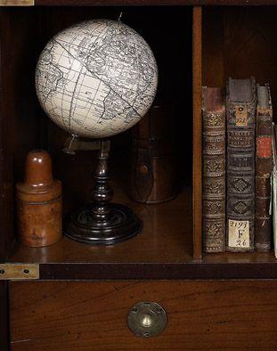 Trianon Globe MISE EN SCENE - DISPLAY Pinterest Globes, The ...