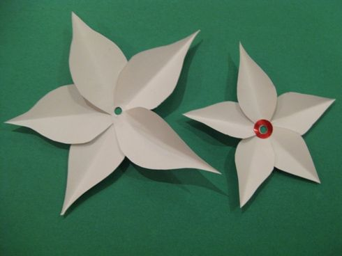 How to Make a Poinsettia