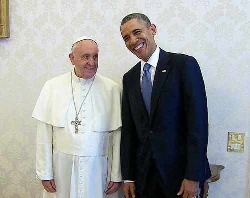 El presidente Barack Obama, el Papa Francis reúne por primera vez  (Foto: NBC News)  El presidente Barack Obama se reunió con el Papa Francisco por primera vez el jueves en una audiencia privada de 52 minutos como parte de su  gira repleto de Europa y el Medio Oriente .