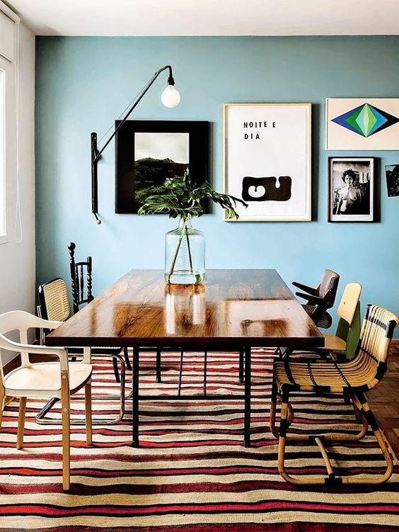 Mismatched chairs - and that rug!