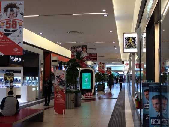 Centro Commerciale Freccia Rossa (mall) - Brescia, Italy