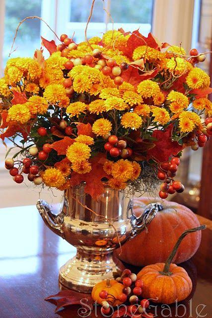flowers: Autumn Centerpiece, Flowers Centerpieces, Fall Thanksgiving, Fall Autumn, Fall Flower, Holidays Thanksgiving, Makeover Magic