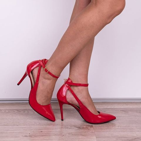 Kto Lubi Czerwone Szpilki Czolenka Obuwiedamskie Obuwieskorzane Skorzaneobuwie Butydamskie Elegantshoes Zakupy Shoppin Stiletto Heels Heels Stiletto